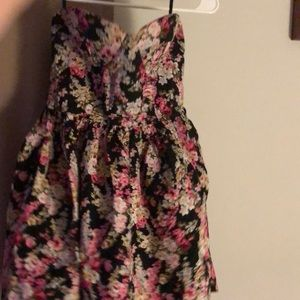 Strapless Multicolored flowered dress